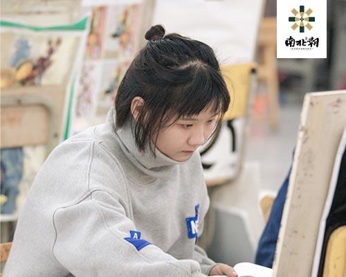 在杭州画室学美术收费标准是多少?
